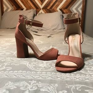Qupid Rose Heels
